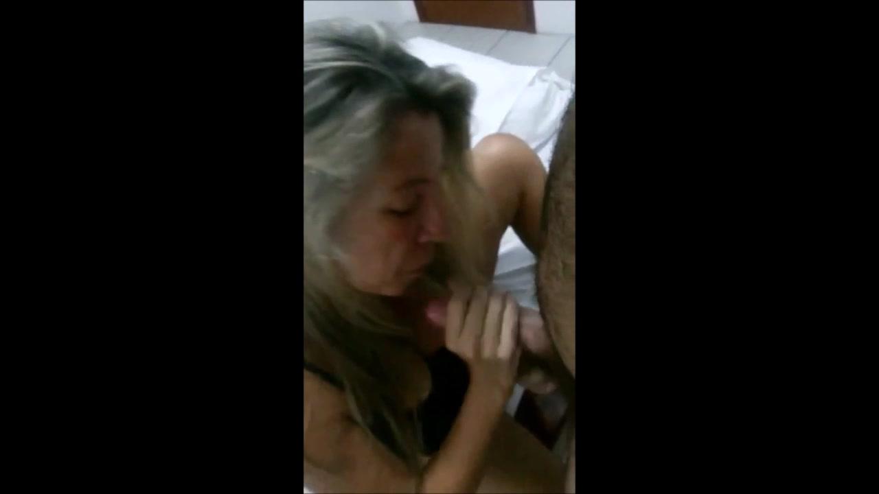 Chupando corno e sendo enrabada pelo amante - 1 6