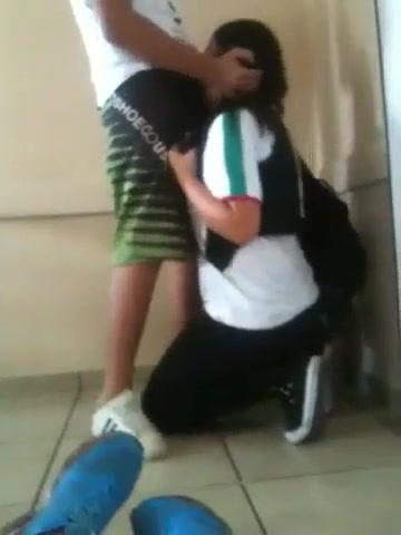 She was menina batendo um boquete na escola sister whore